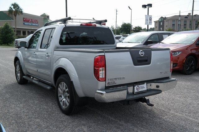 Pre-Owned 2011 Nissan Frontier SL Crew Cab